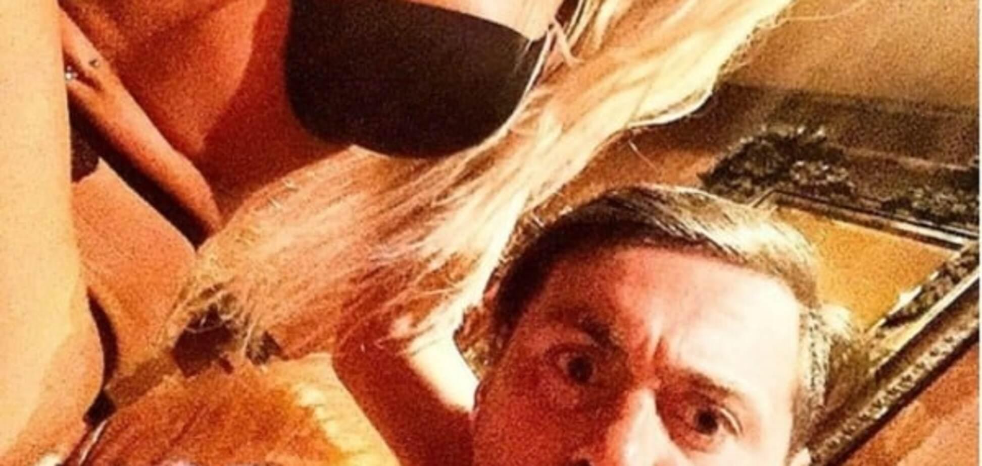 Милевский с блондинкой