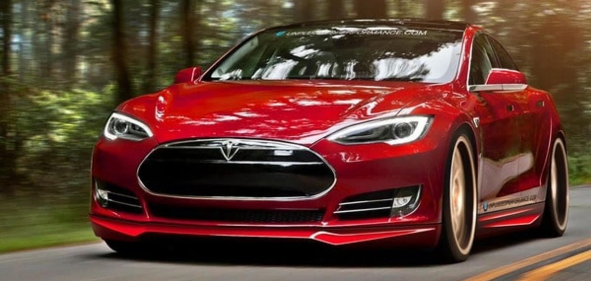 В українському селі запропонували оригінальний спосіб використання дорогого електромобіля Tesla