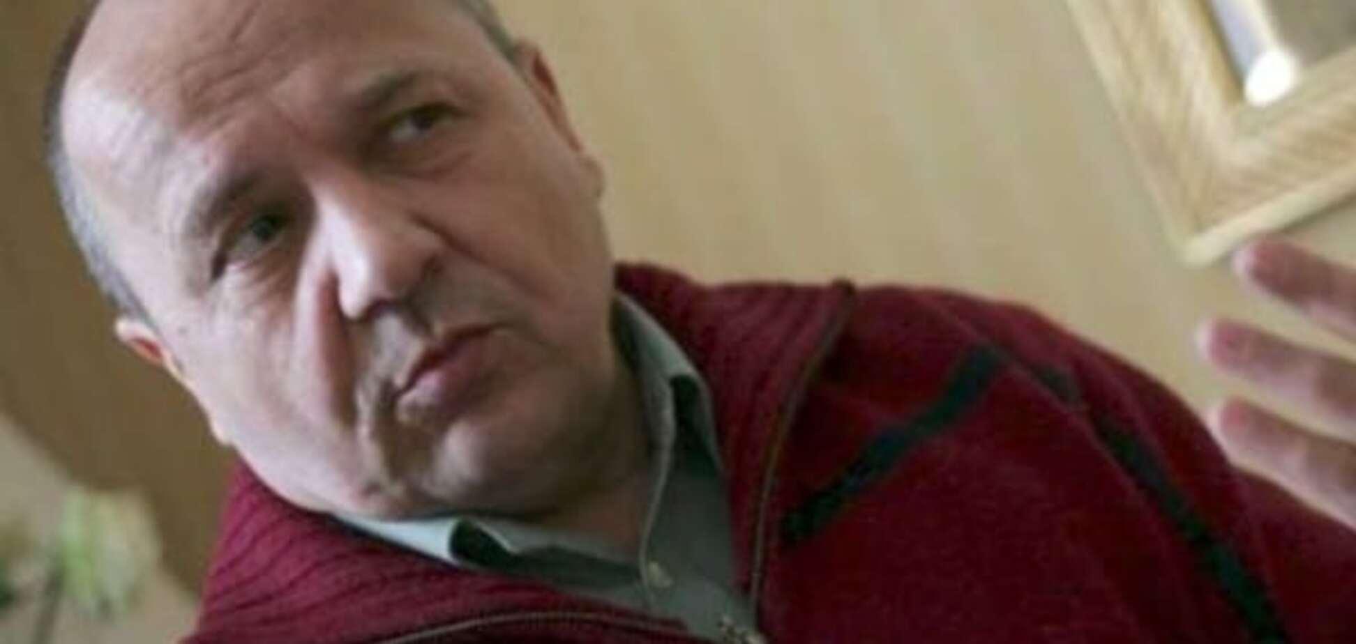 Ляпас Кремлю: Порошенка просять дати звання Героя України письменнику Суворову