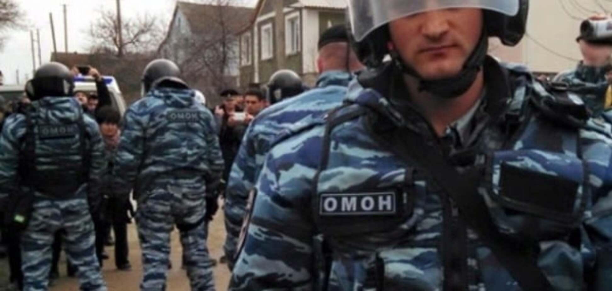 'Купа людей зі зброєю': окупанти знову увірвалися в будинки кримських татар із обшуками