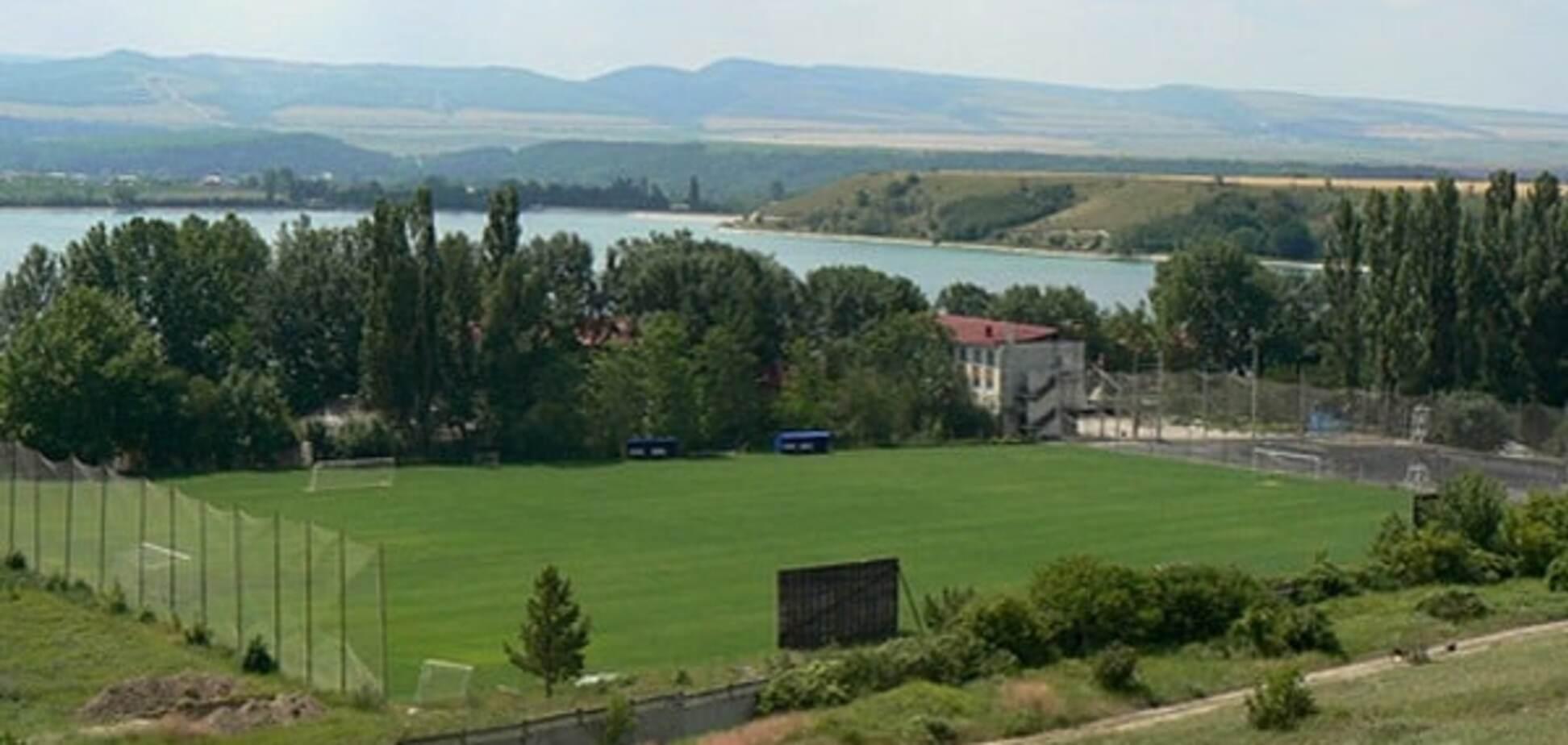 У соцмережах показали, на що окупанти перетворили футбол у Криму