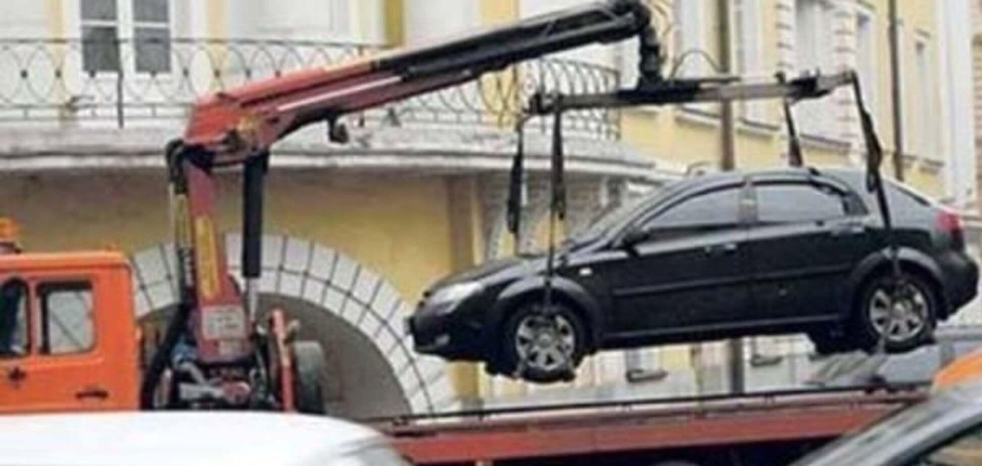 У Києві розкрили нову схему автокрадіжок за допомогою евакуаторів