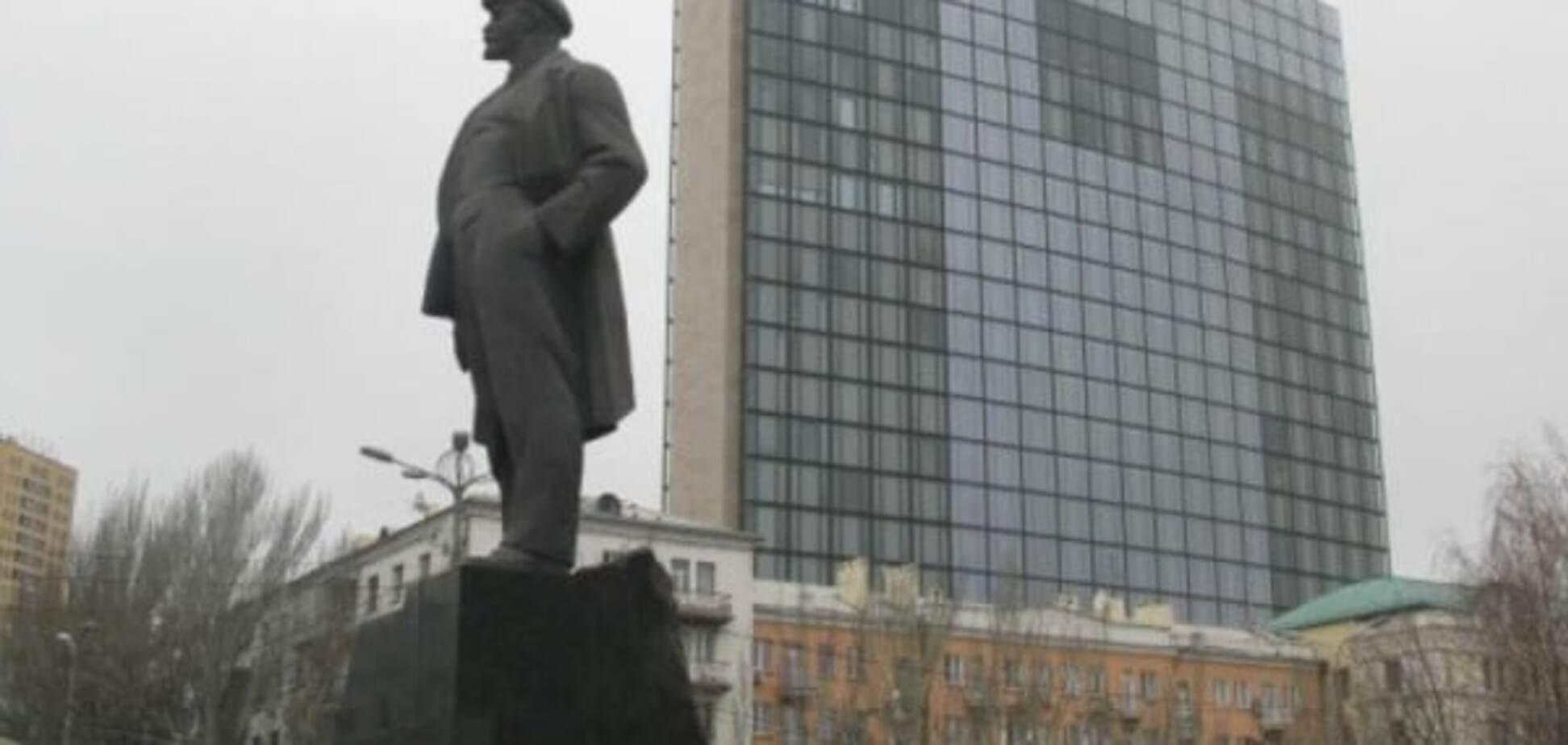 Ленін у шоці: донецькі терористи почали свою декомунізацію