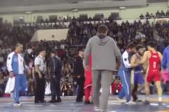 Дагестанцы сорвали чемпионат России по борьбе, устроив массовую драку: видео инцидента