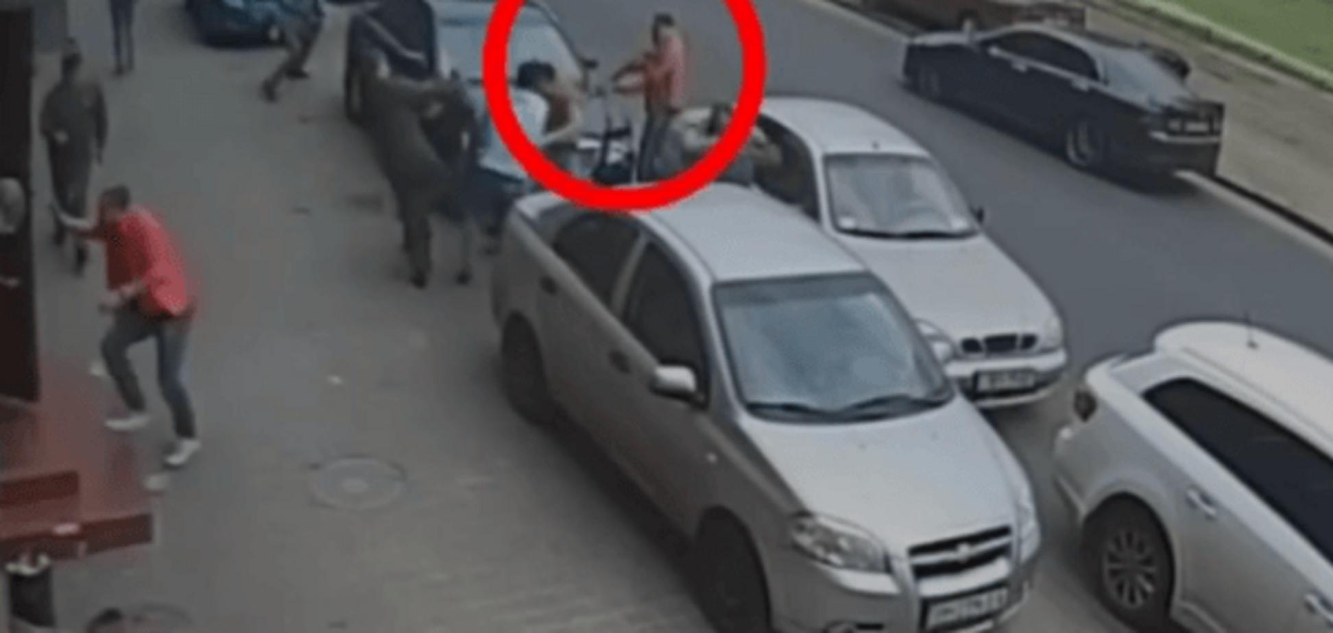 З'явилося відео зухвалого нападу на співробітників телеканалу в Одесі