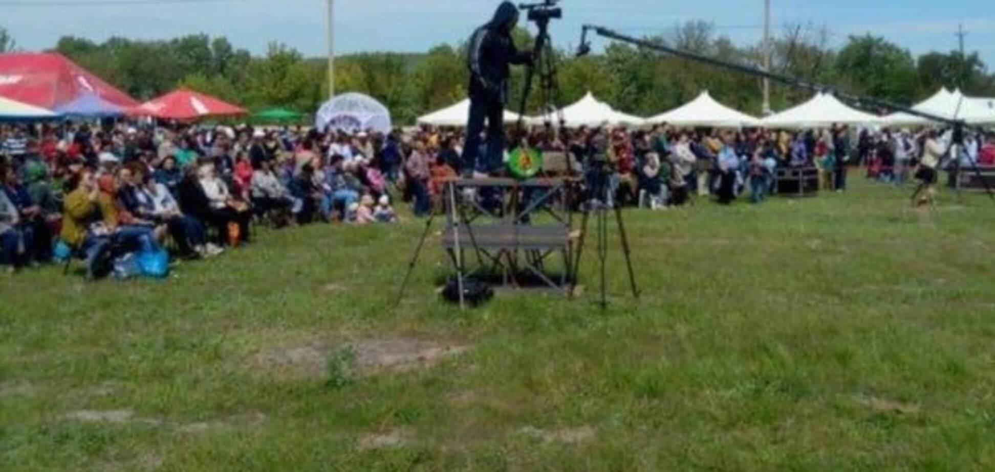 Окупанти в Криму зігнали статистів на 'свято для кримських татар'
