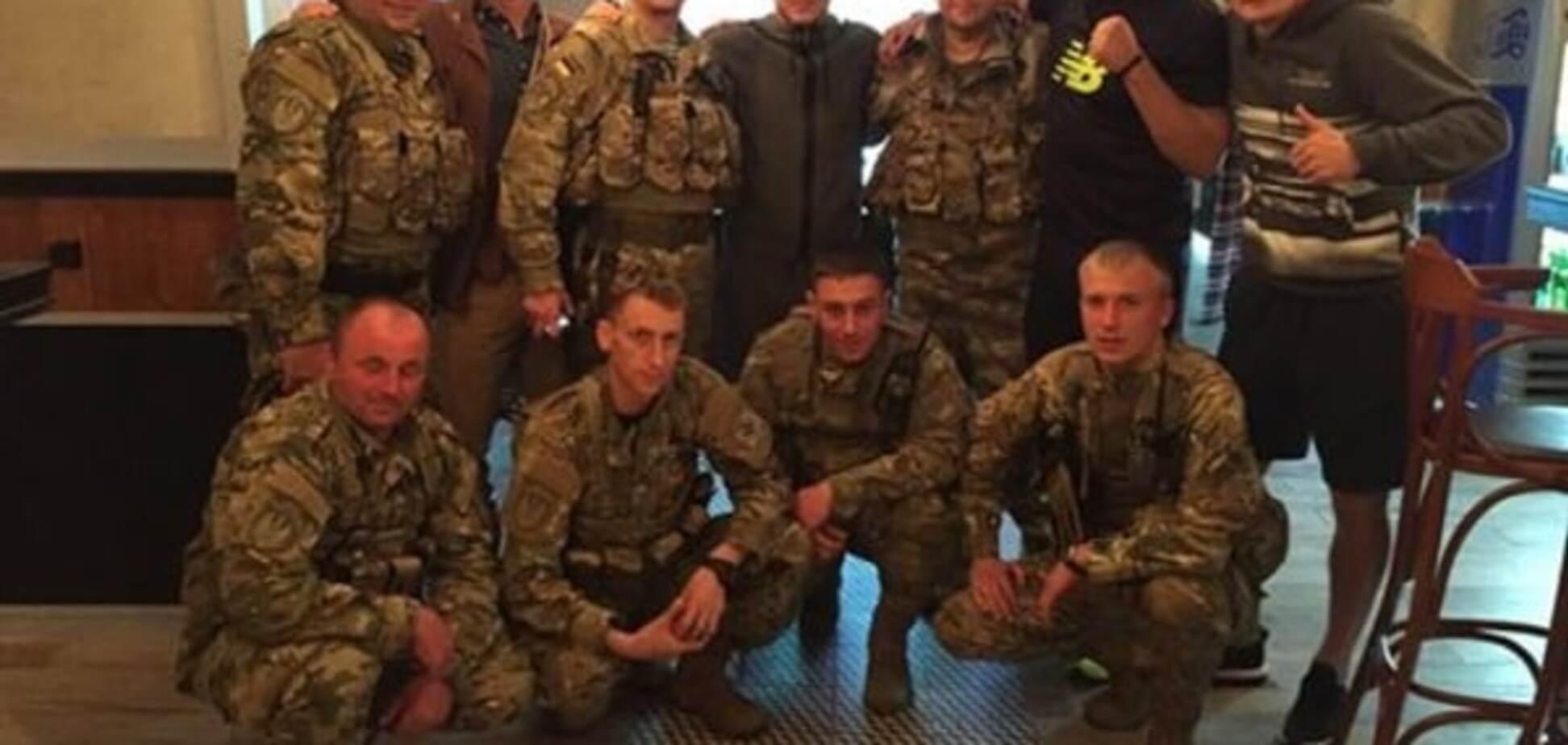 Усик, Зозуля і Федецький зустрілися з бійцями АТО