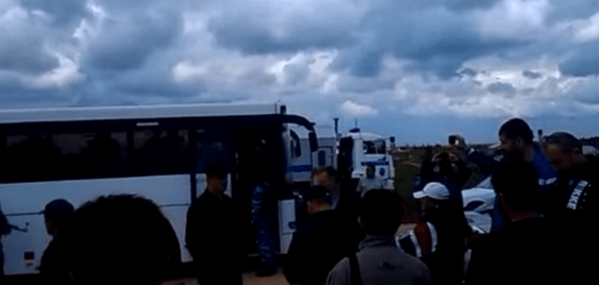 Опубліковано відео 'зачистки' кримських татар у мечеті під Сімферополем
