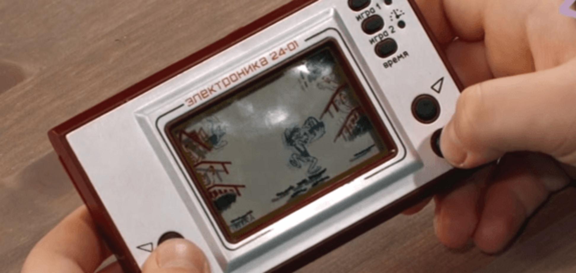 Сучасним дітям дали зіграти в електронну гру 'Ну, постривай!'