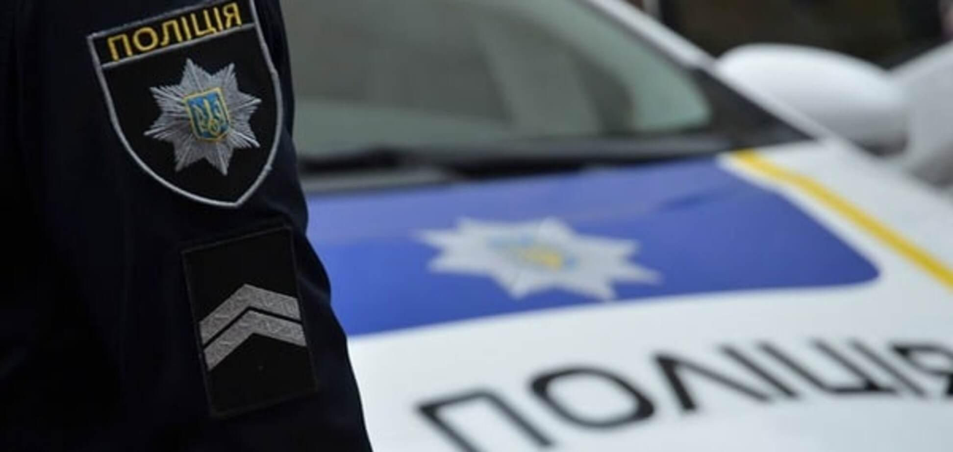 У Києві озброєні бандити увірвалися в масажний салон