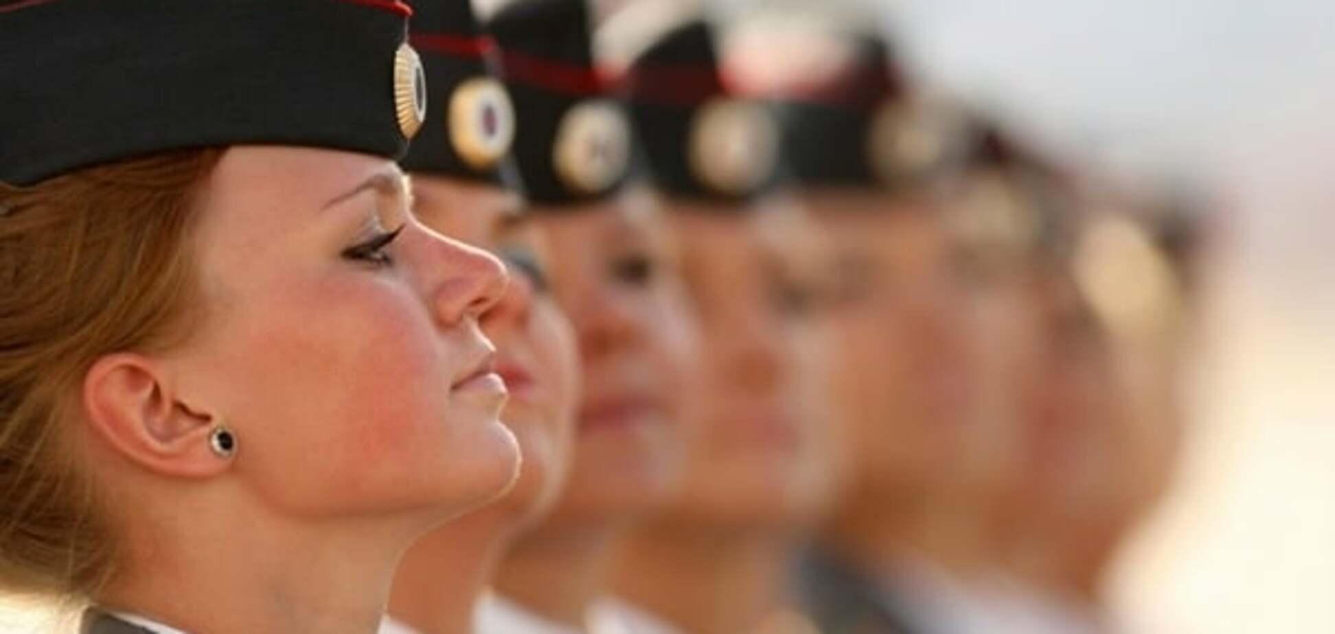 Захід шокувала армія в міні-спідницях російського 'мачо-лідера' Путіна