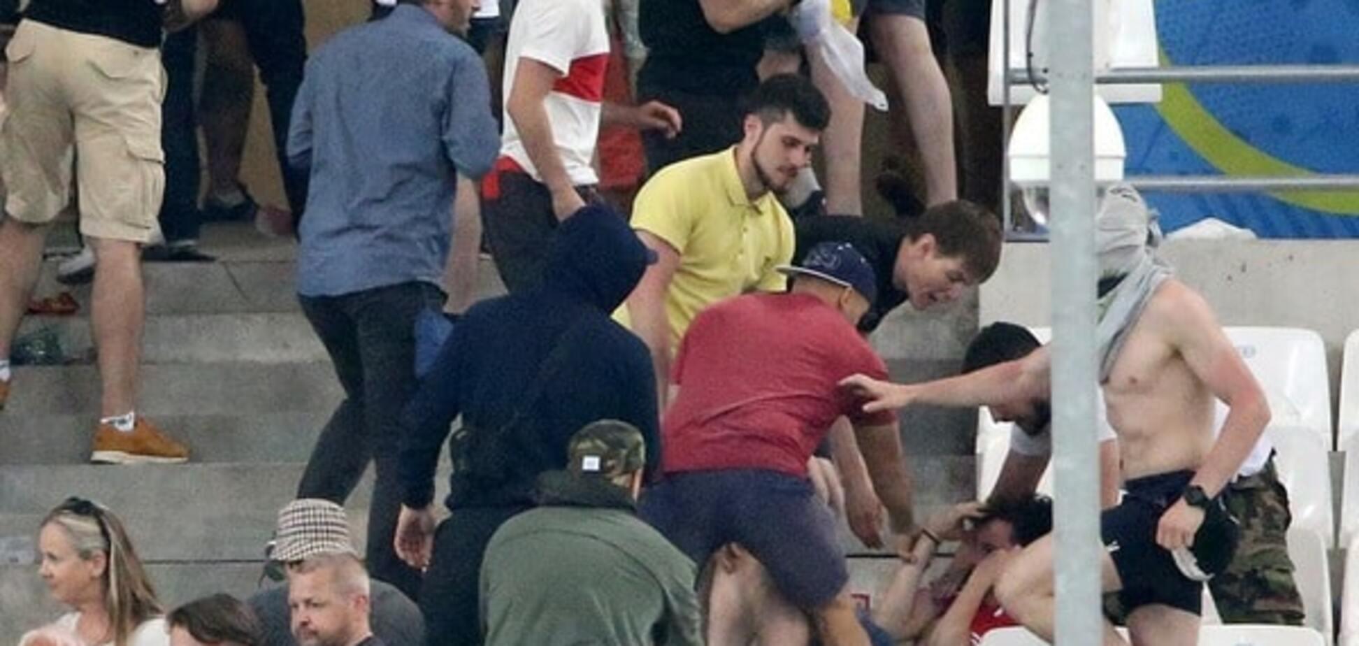 Драка болельщиков на матче Англия - Россия