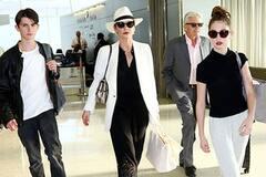 Юная модница: дочка Кэтрин Зеты-Джонс стала невероятно похожа на маму