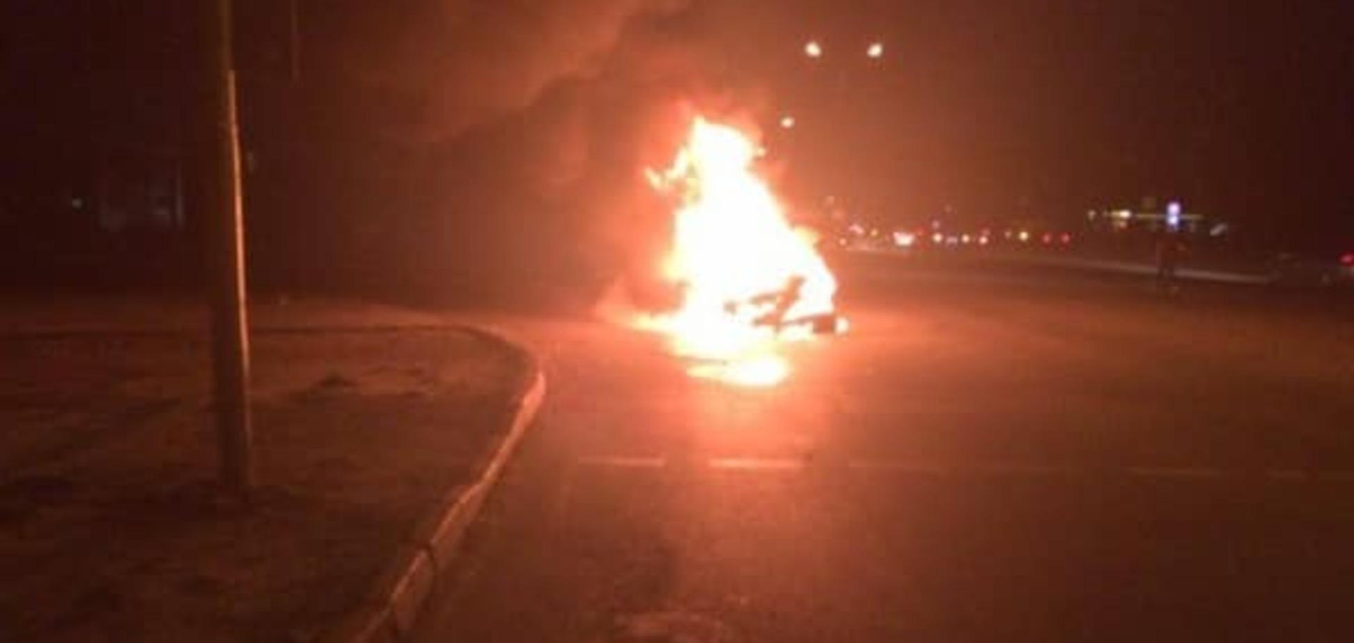 Огненное ДТП во Львове: после столкновения с маршруткой Opel сгорел дотла. Опубликованы фото