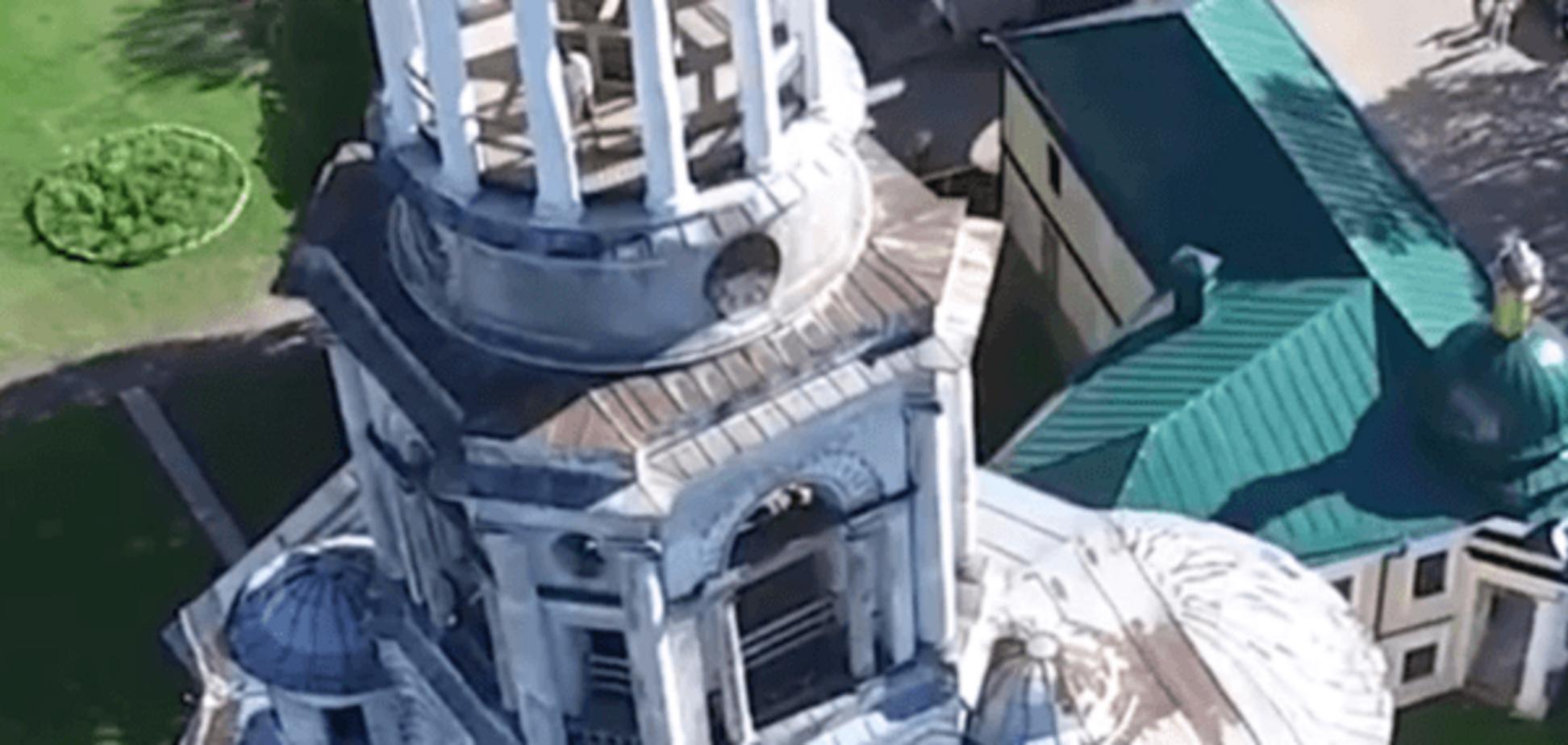 В России дрон заснял туристов, занимающихся сексом на колокольне