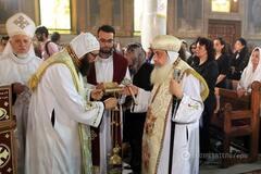 священники греция