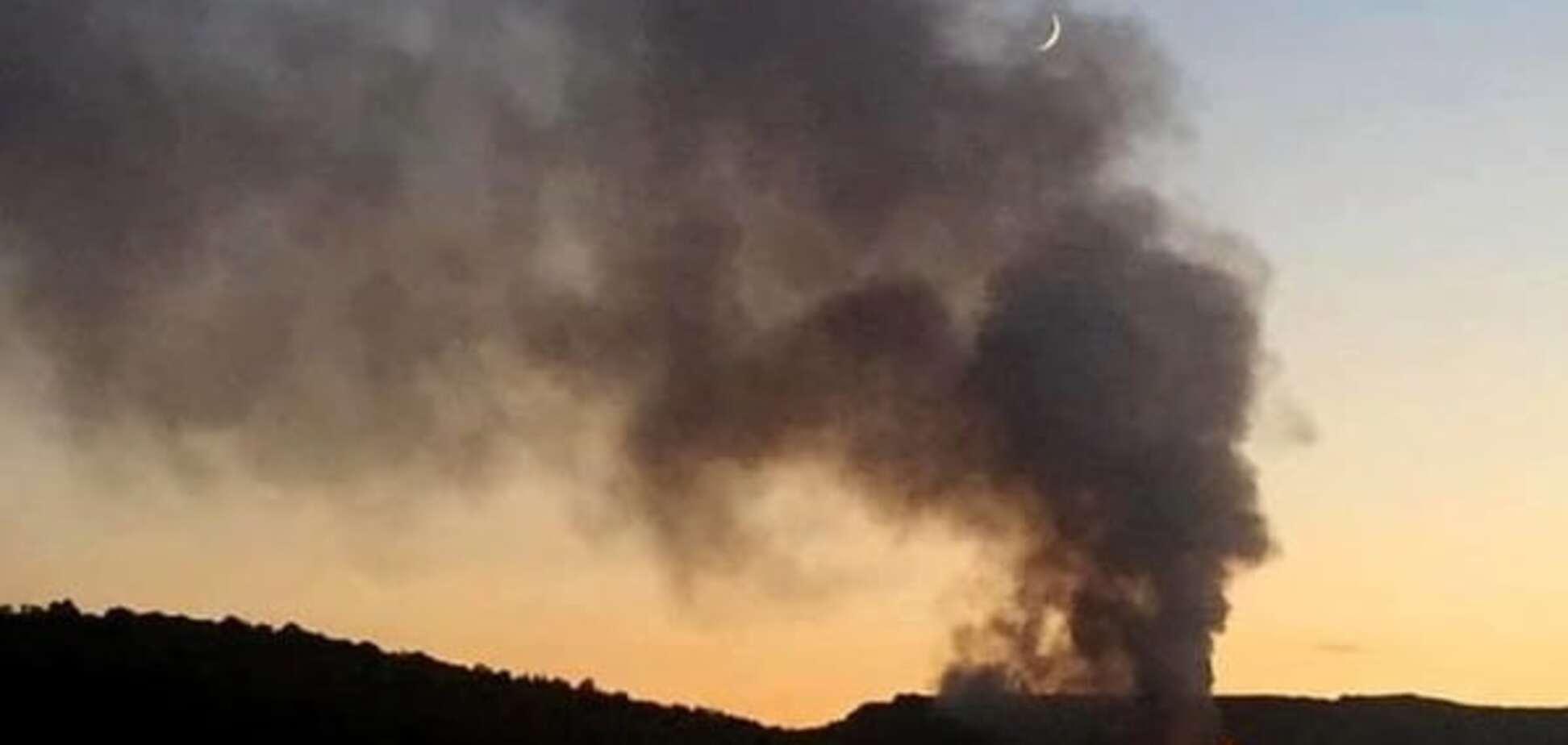 Полностью потушить пожар на свалке в Грибовичах пока невозможно - ГосЧС