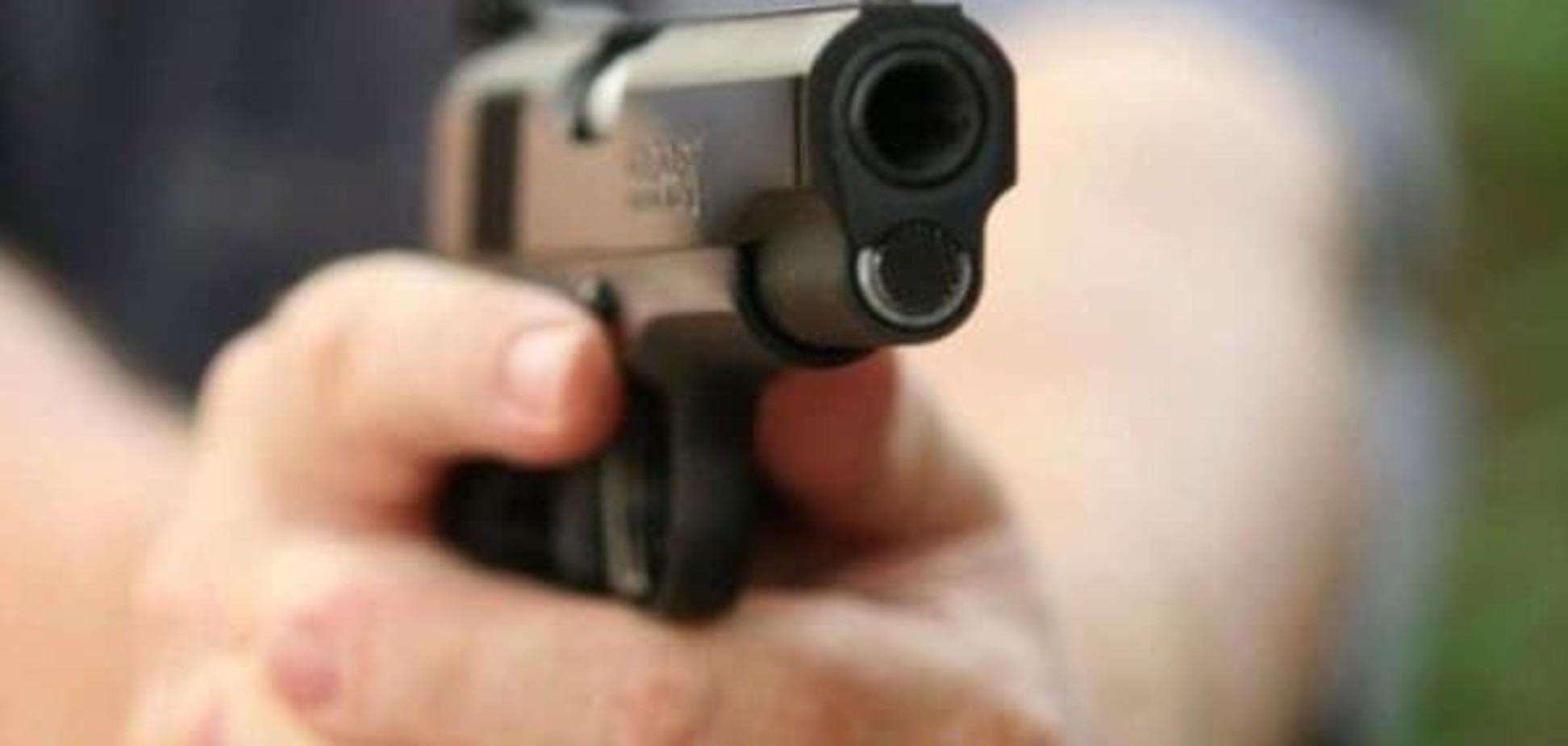 Неизвестный расстрелял мужчину в Киеве