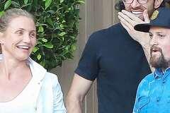 Располневшая Кэмерон Диас без макияжа отправилась на свидание: опубликованы фото