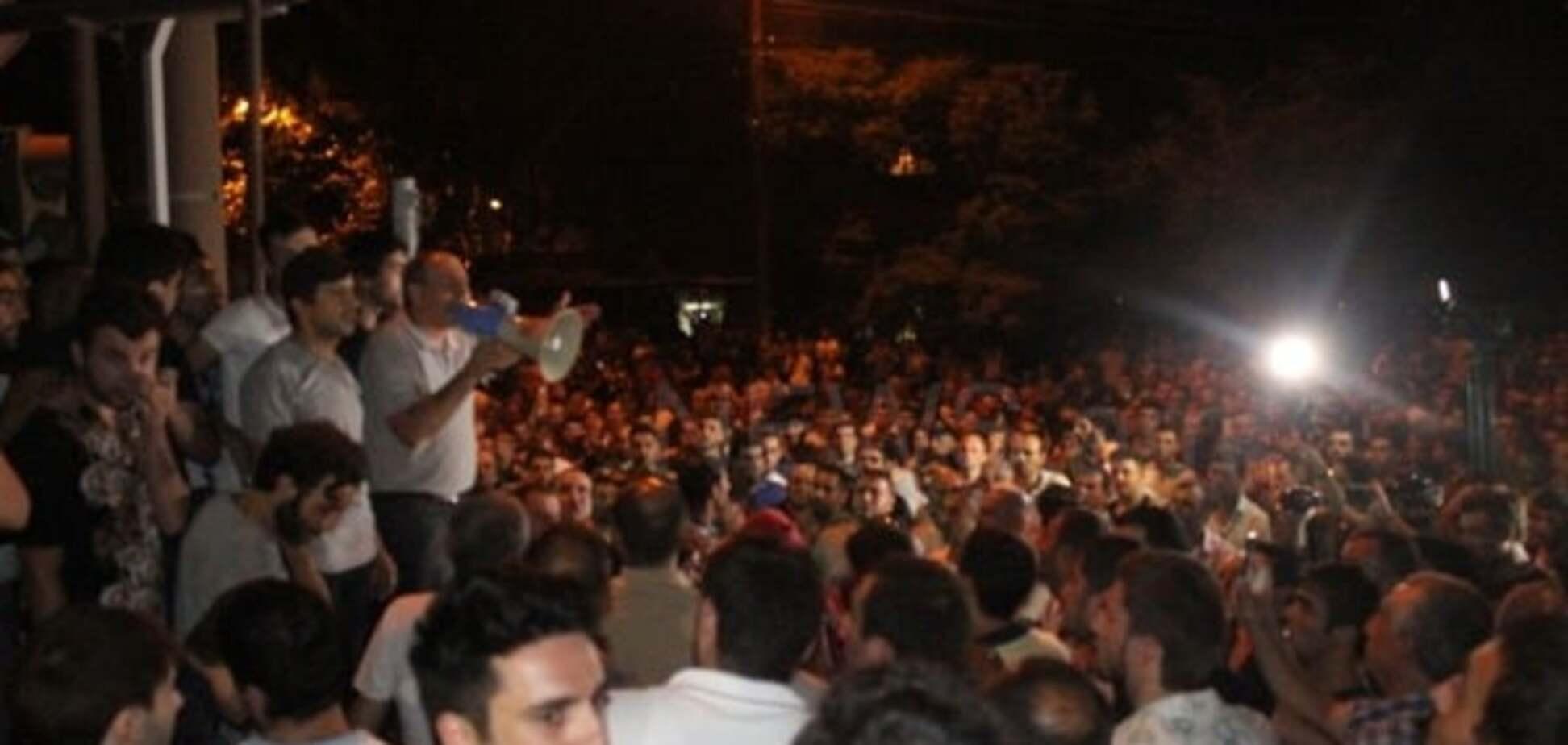 Столкновения в Ереване
