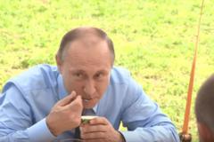Владимир Путин, йогурт, видео