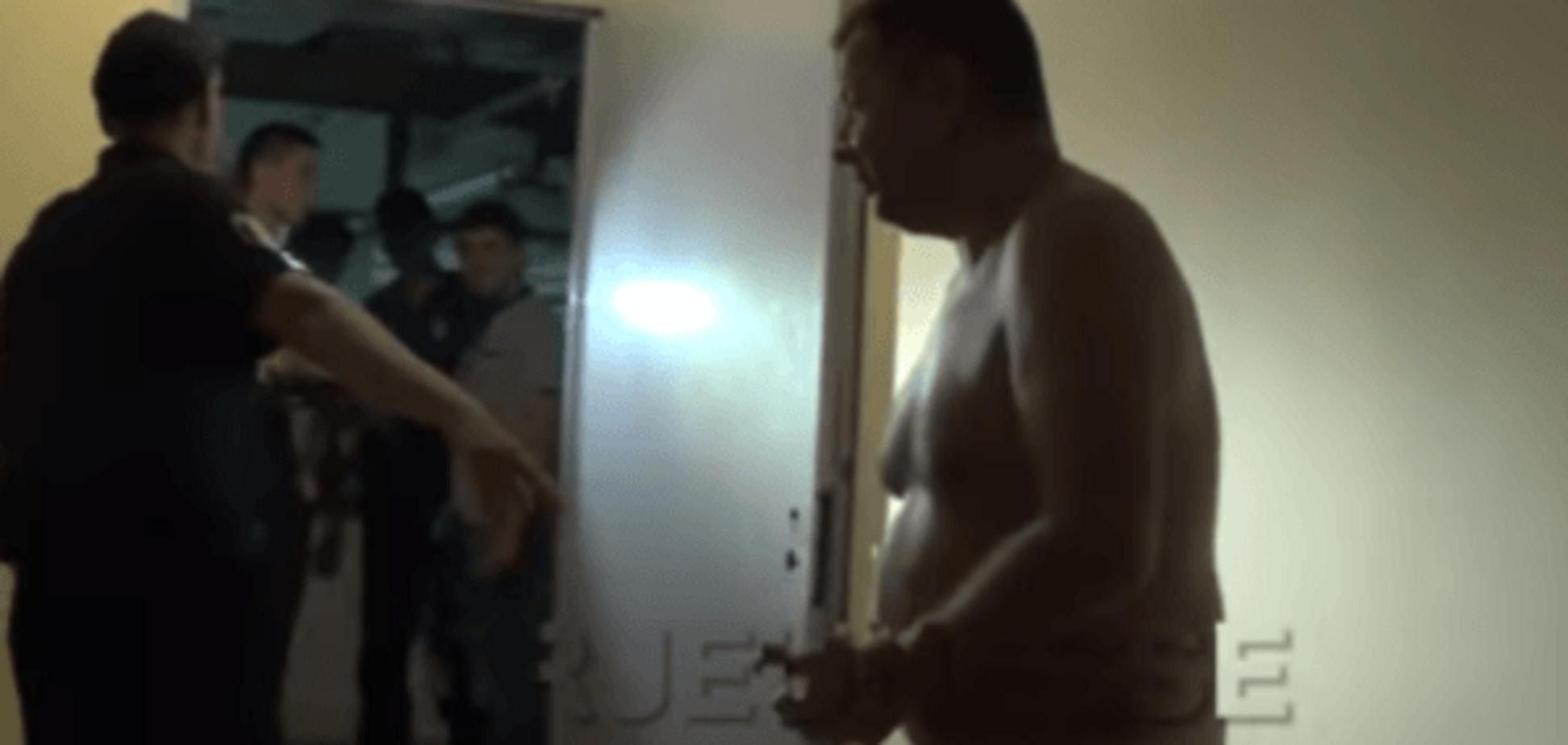 П\u0027яний чиновник роздягнувся перед поліцією