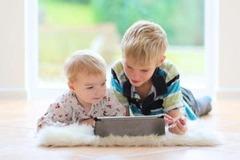Использование планшетов нарушает развитие мышц и костей у детей