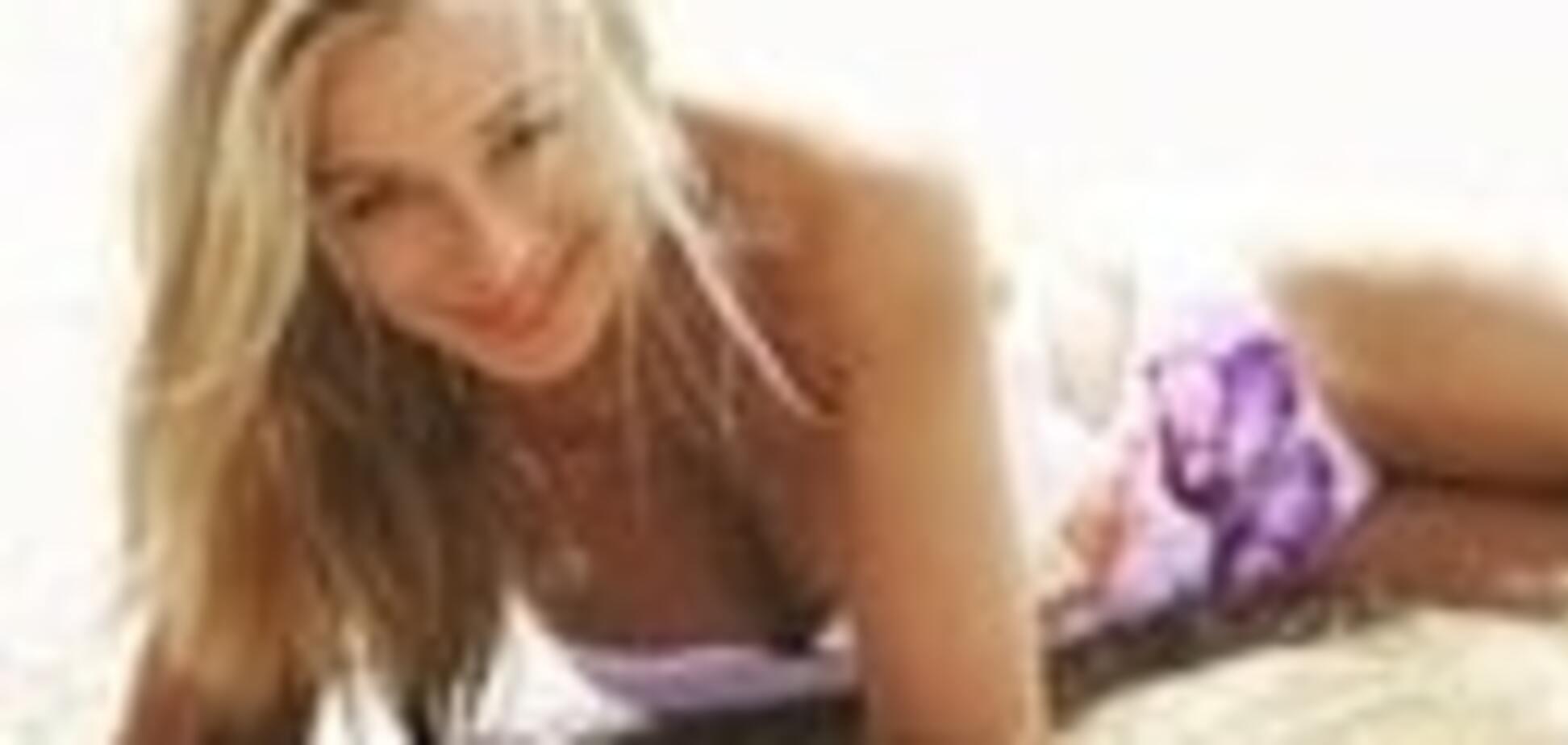 Горячая звезда 90-х: 51-летняя Алена Апина снялась в эро-фотосессии