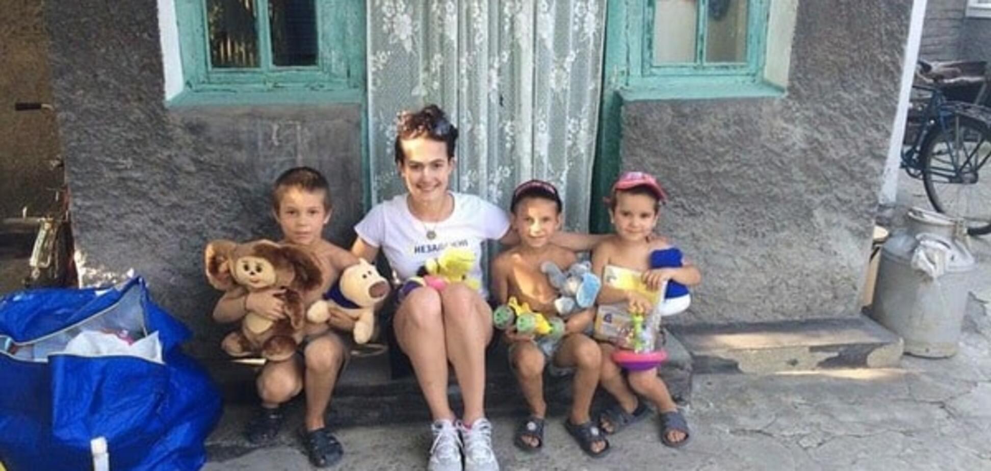 'Они - герои': известная украинская гимнастка помогла детям в самой горячей точке АТО