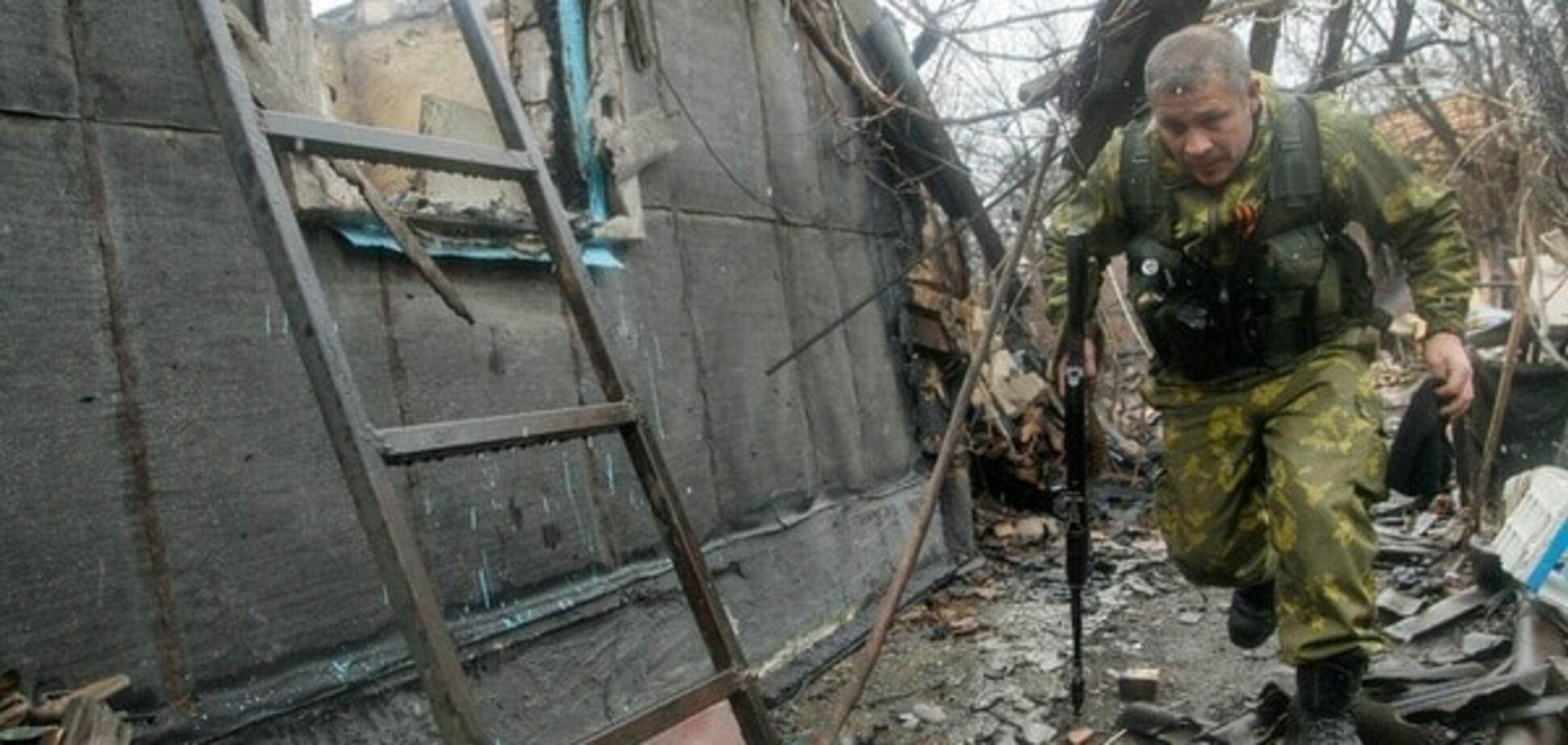 Террористы атаковали бойцов АТО в Красногоровке из 'Градов'