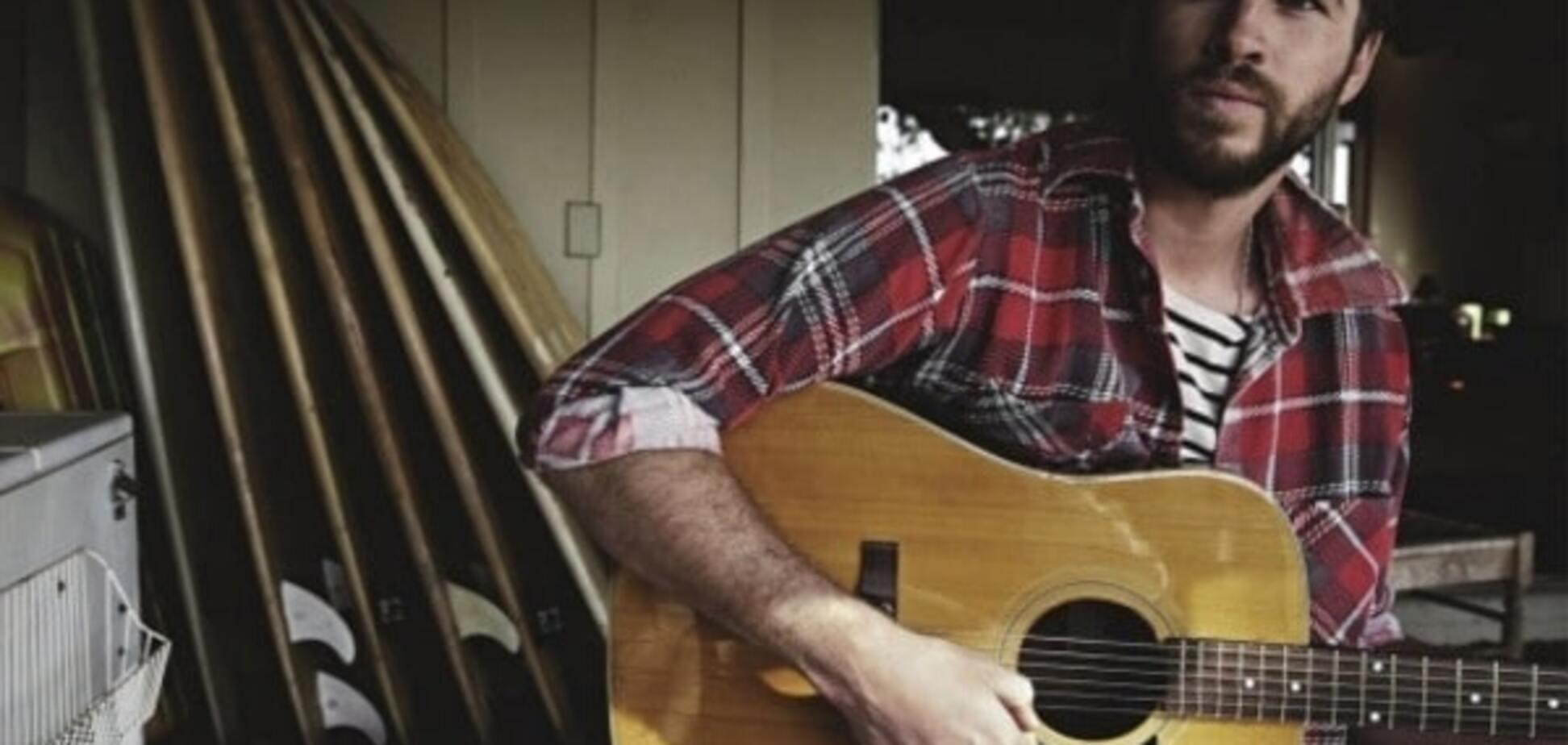 Красавчик Лиам Хемсворт снялся в горячей фотосессии