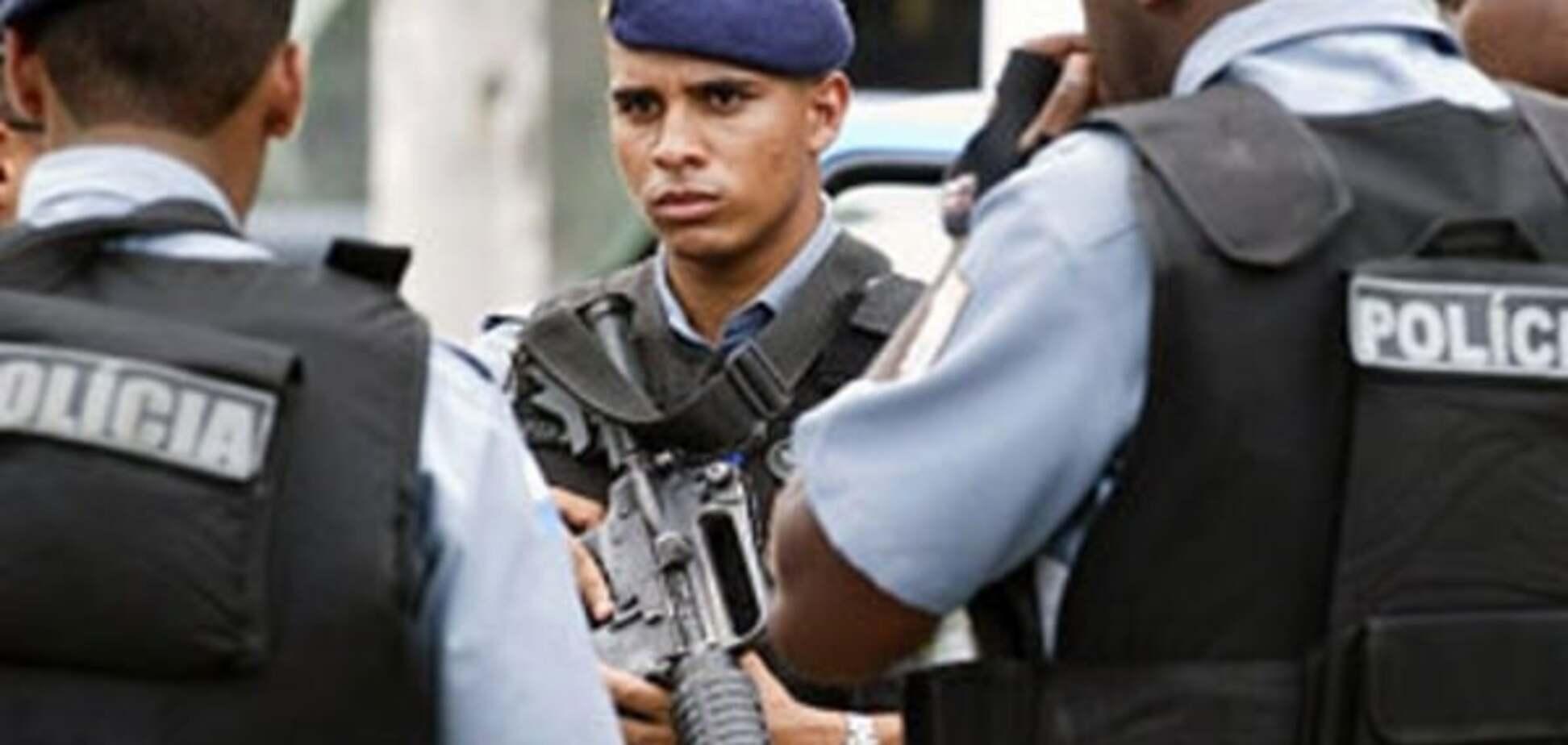 """В Бельгии неизвестный с криками """"Аллах акбар"""" изрезал мачете полицейских. Источник: Рамблер"""