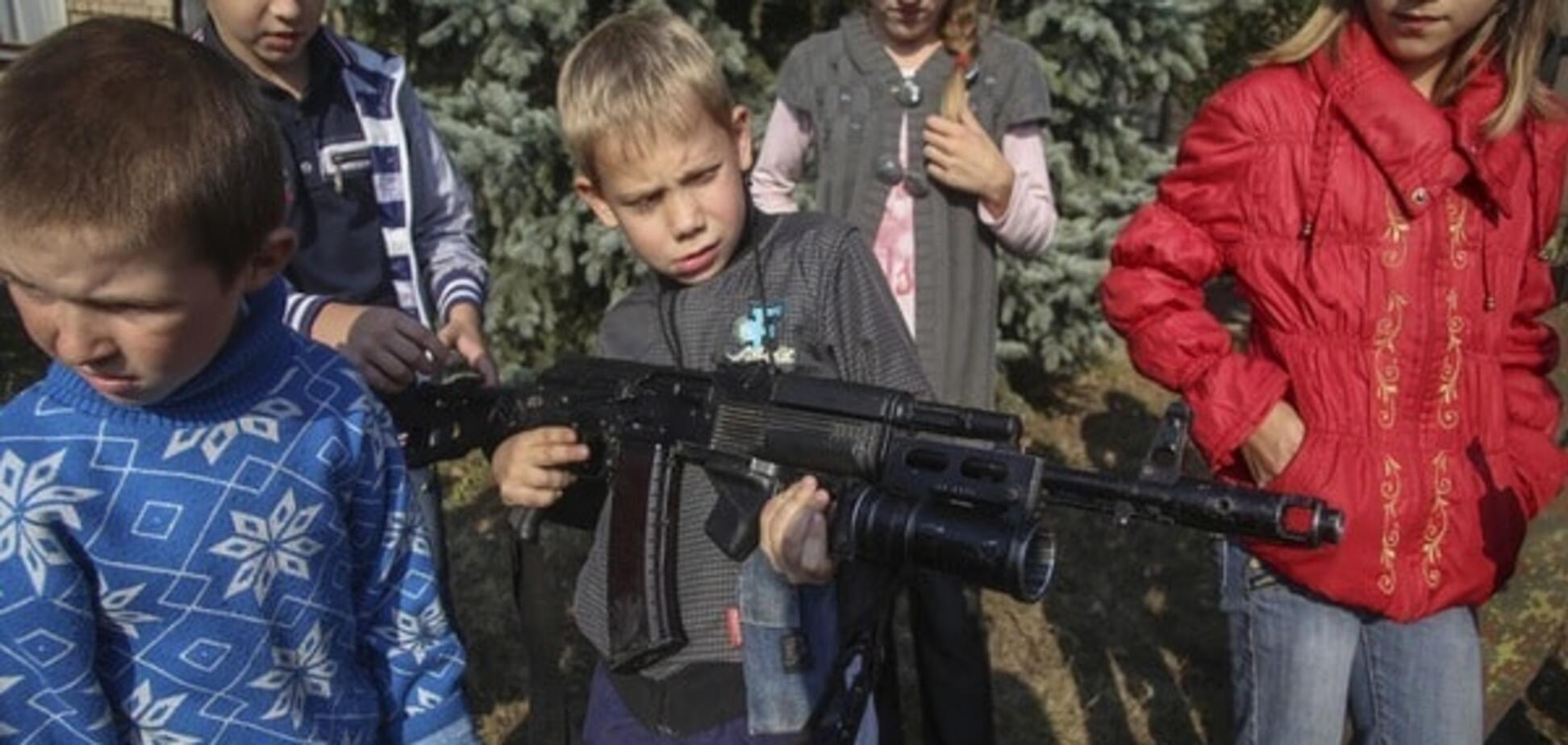 Детский омбудсмен: террористы под угрозой расстрела запрещали вывозить детей с Донбасса