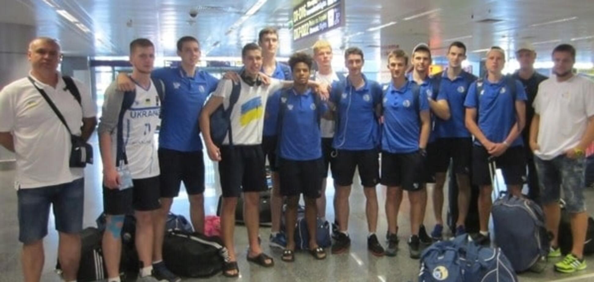 Герої повернулись! Збірна України в статусі віце-чемпіона Європи прилетіла додому