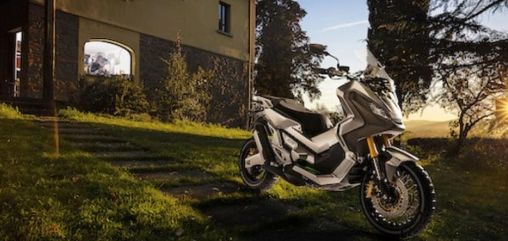 Японцы обнародовали видеотизер вседорожного скутера Honda ADV: видеофакт