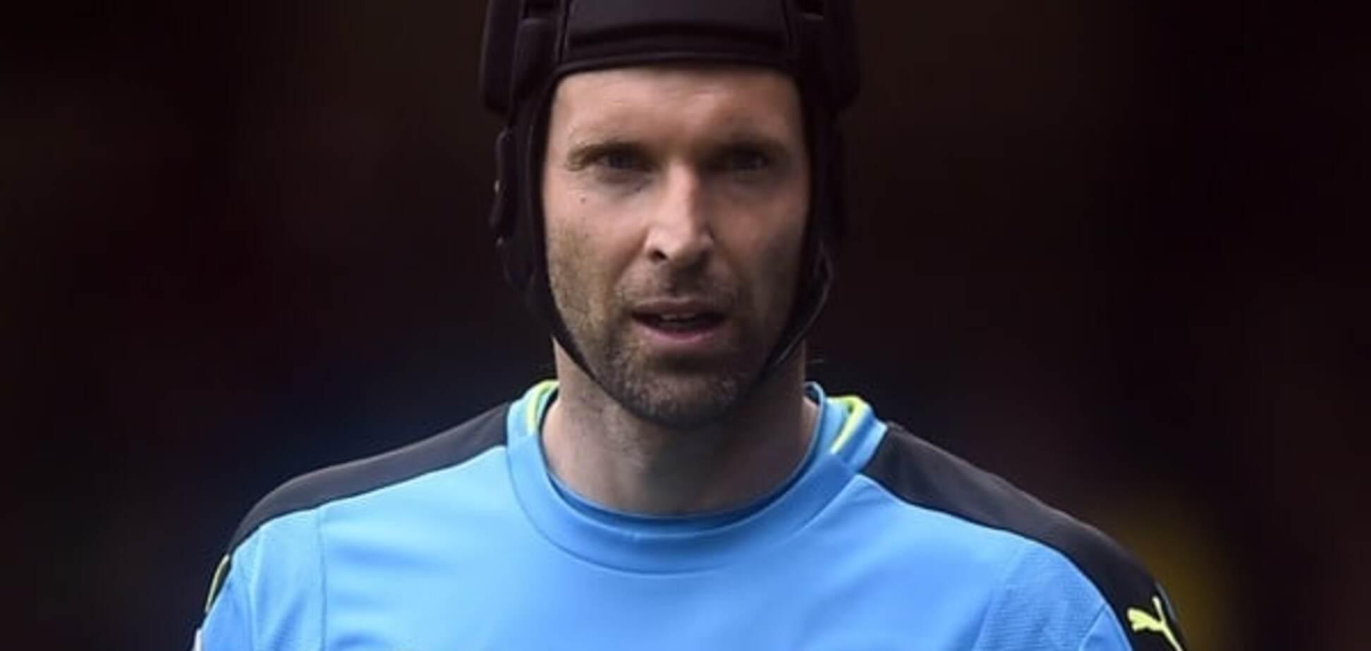 Вратарь 'Арсенала' оконфузился в матче чемпионата Англии: видео курьеза
