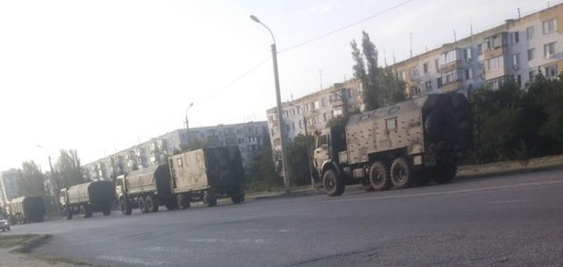 Очевидці зняли відео руху російських військ у Криму