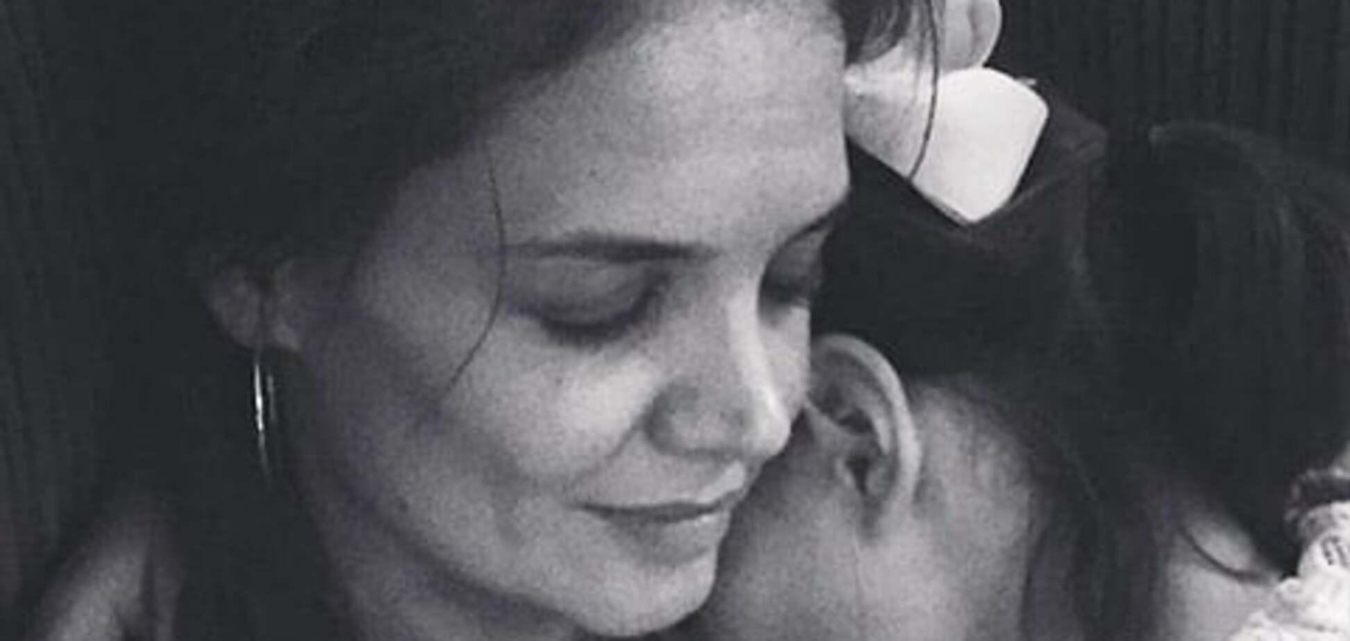 Кэти Холмс поделилась нежным снимком с дочерью Сури