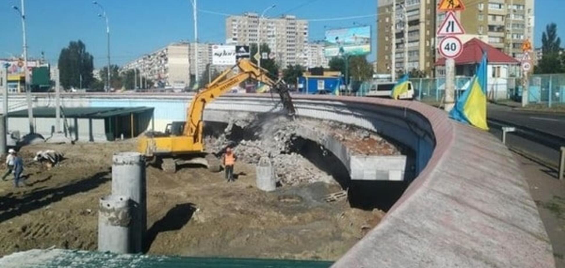 Не обвалится: застройщик отрицает опасность стройки на 'Героев Днепра' в Киеве