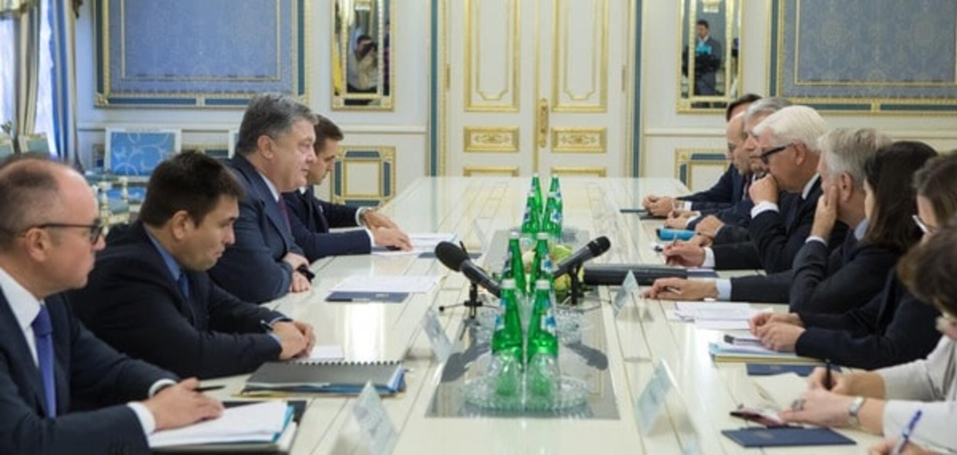 Порошенко выразил надежду, что ЕС продлит санкции против России с 15 сентября