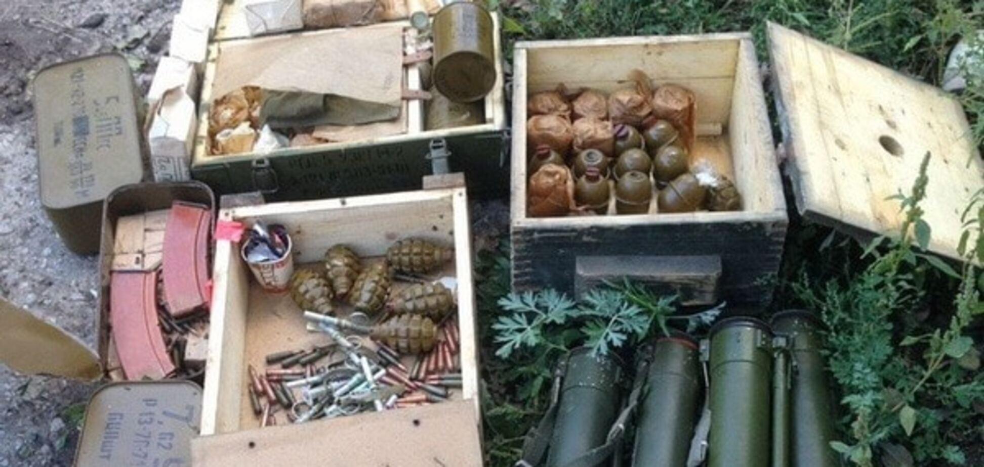 'Не для продажу': СБУ виявила в зоні АТО чотири схованки з унікальною російською зброєю