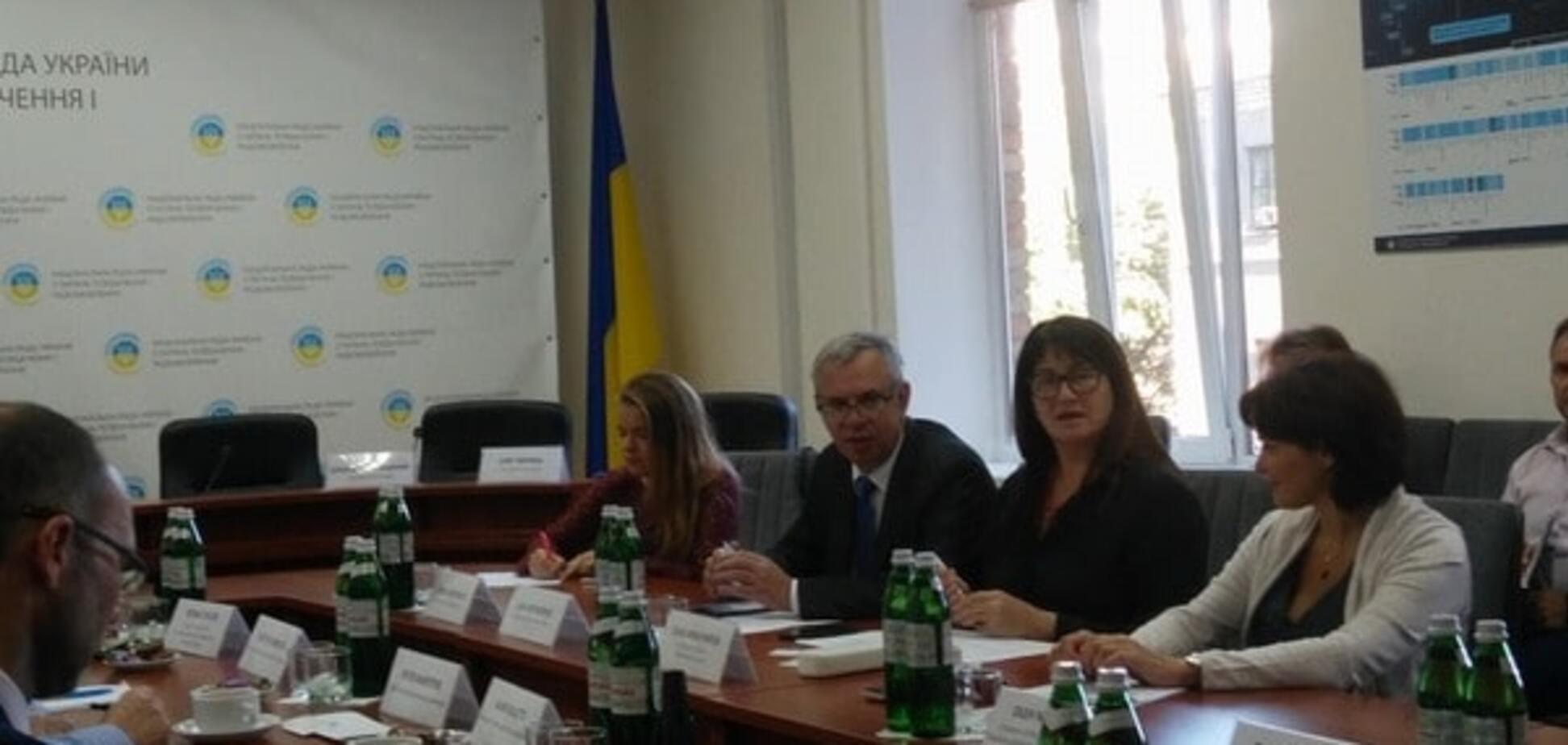 Нацсовет отказался продлять лицензию радиокомпании холдинга 'Вести Украина'