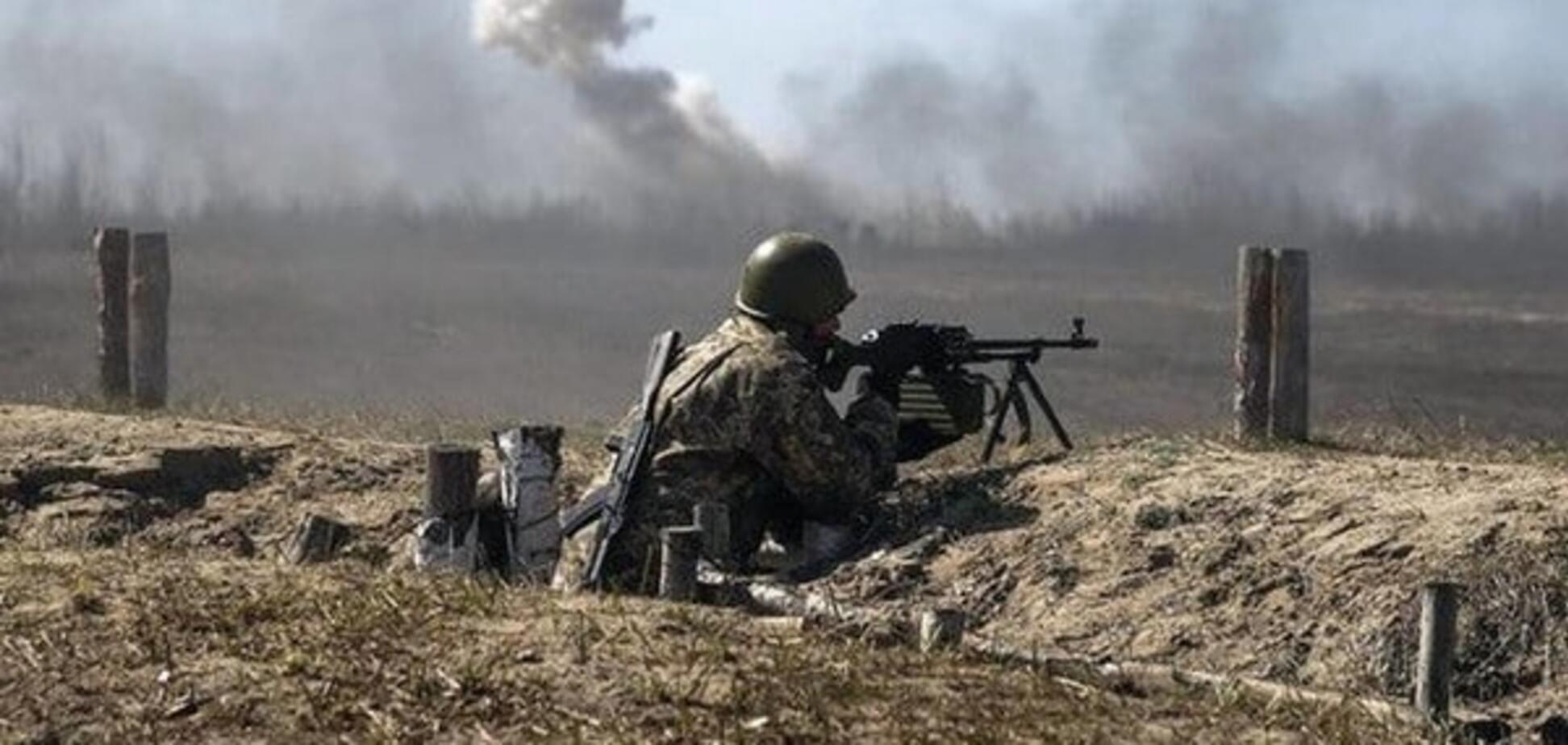 Хроники 'тишины': террористы десятки раз обстреляли позиции АТО на Донбассе