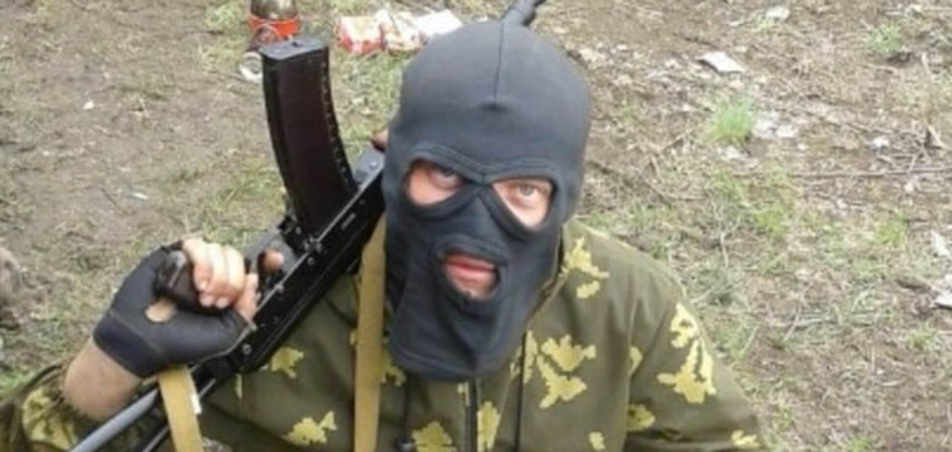 Терорист 'засвітив' на фото спецозброєння російської армії на Донбасі