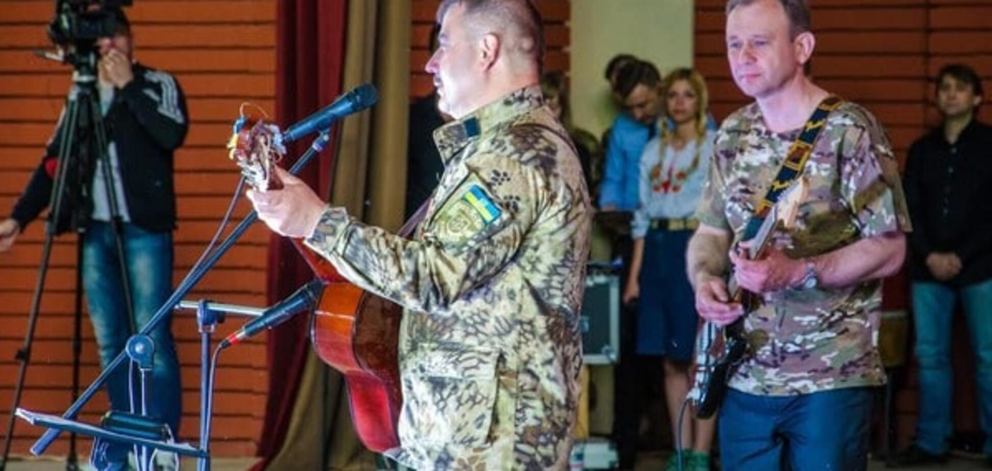 На этой неделе будет презентован первый диск песен, рожденных в АТО - Резниченко