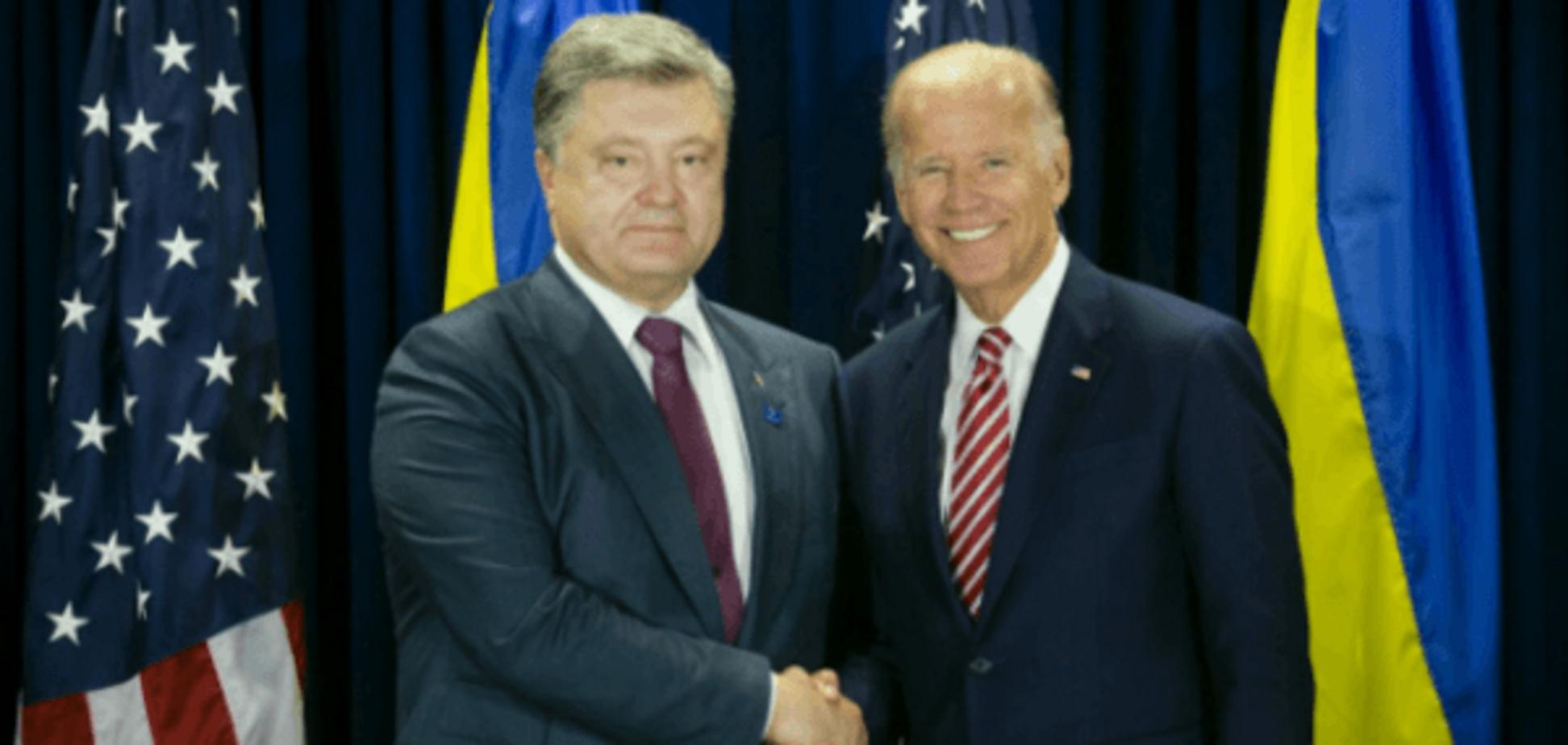 Крепкое рукопожатие: Порошенко и Байден встретились на переговорах в Нью-Йорке