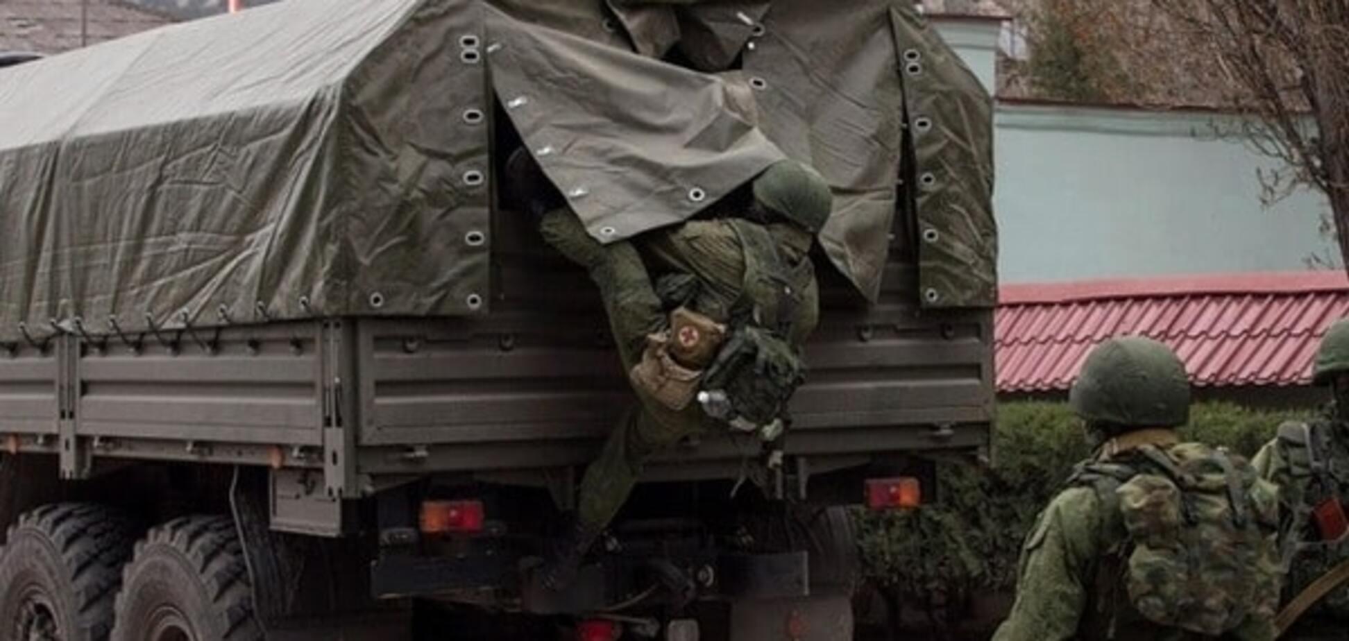 Росія перекинула під Маріуполь вантажівки й автобус із військовими - ГУР