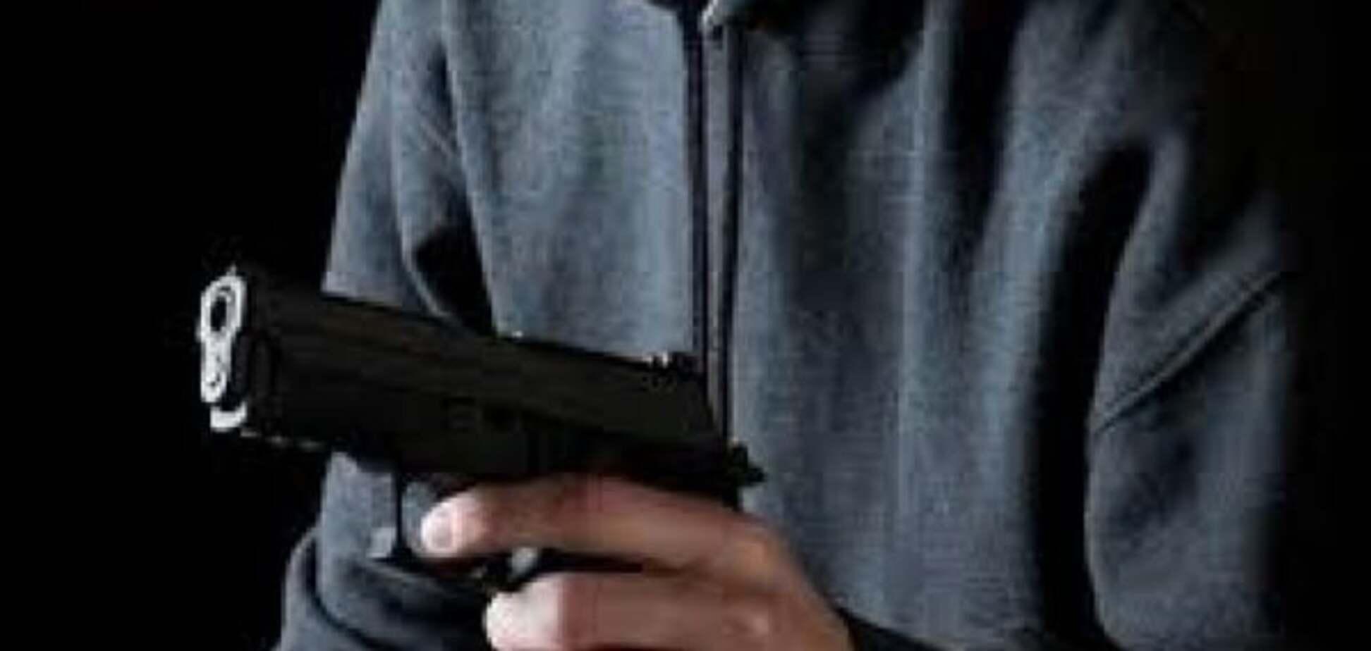 У Києві хоробра жінка-касир змусила тікати озброєного бандита
