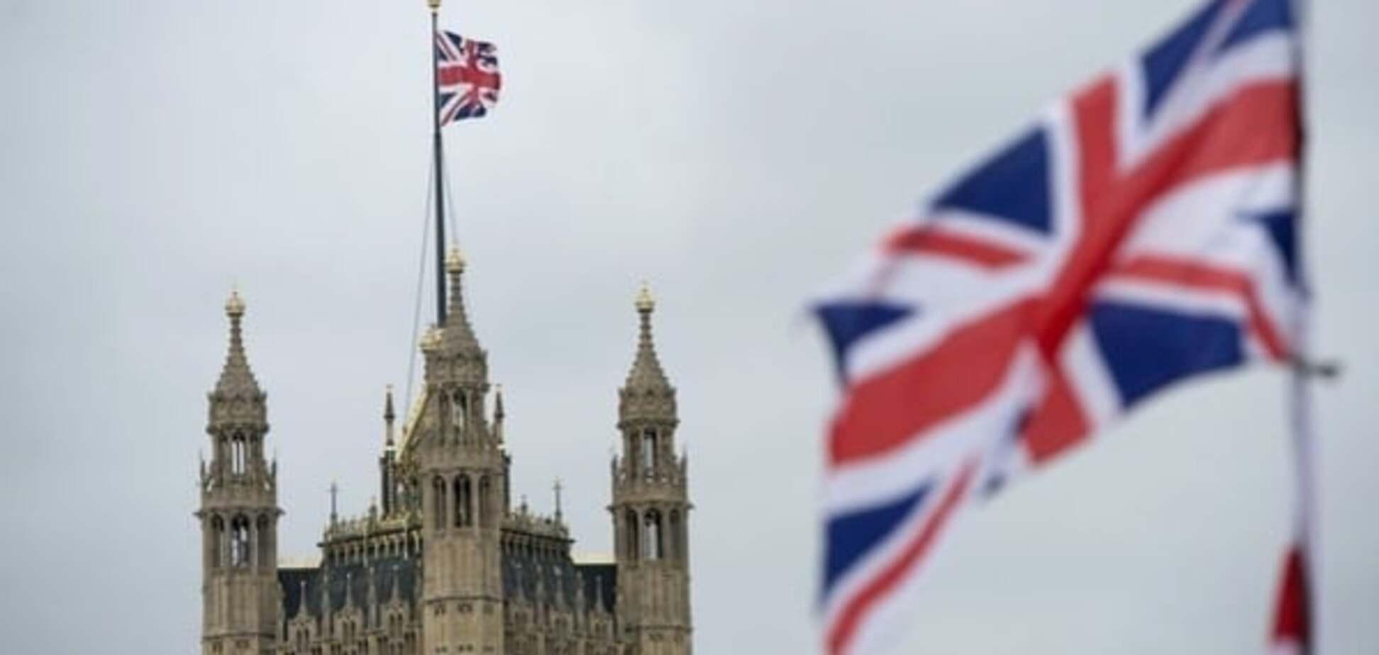 Должен ответить: посол Украины обратилась к Великобритании по поводу пропагандиста Филлипса