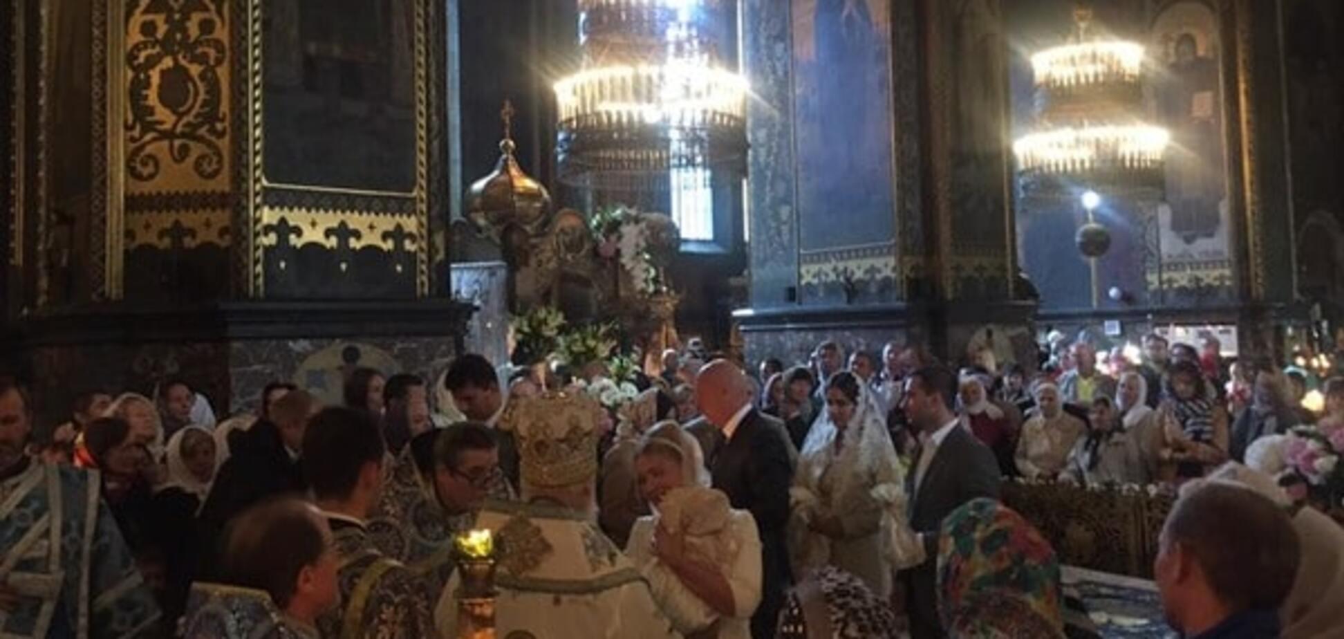 Собор потопав у квітах: стали відомі подробиці хрещення внучки Тимошенко